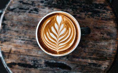 Koffein & Schlaf: Mythen und Fakten über Kaffee im Schlummerland