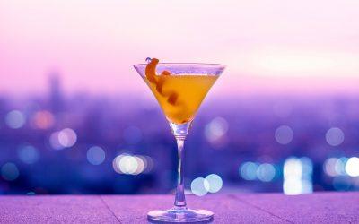 Prost und gute Nacht: Wie beeinflusst Alkohol unseren Schlaf?