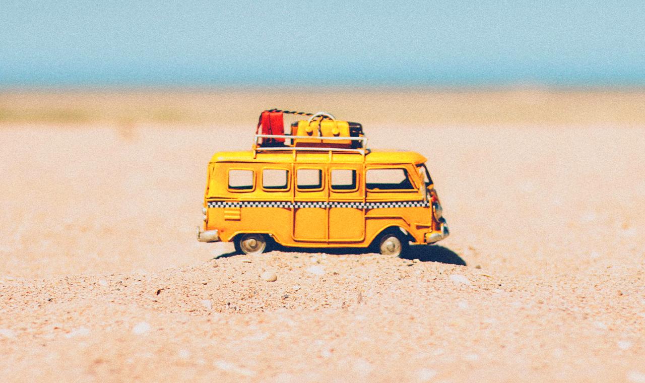 Dein Sommerurlaub als Abenteuer: Mit Couchsurfing, Zelten oder Wohnwagen